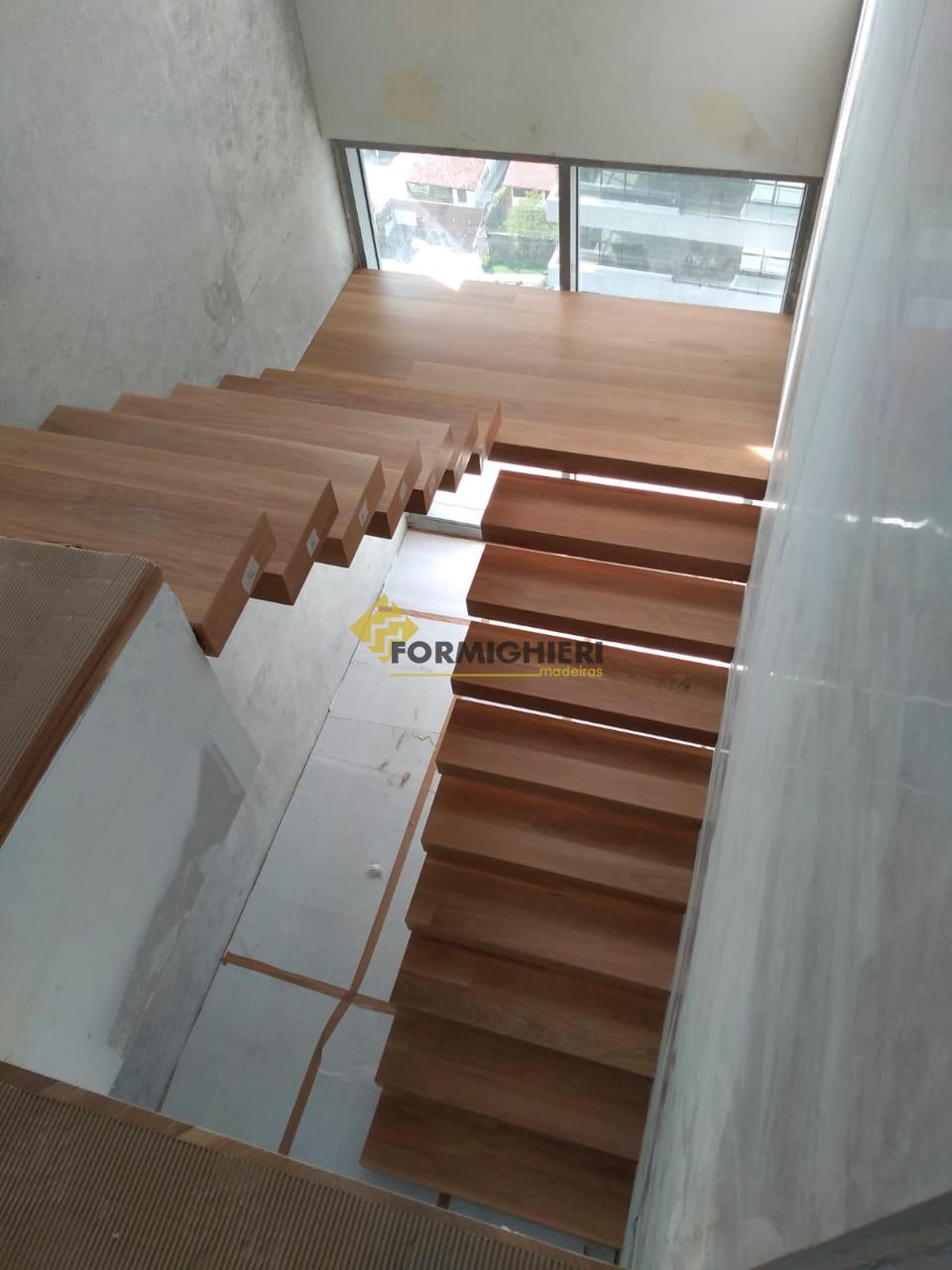 Escada Carvalho Bianco 2