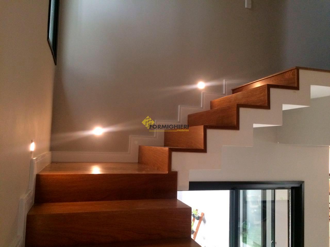 Escada Cumarú 3