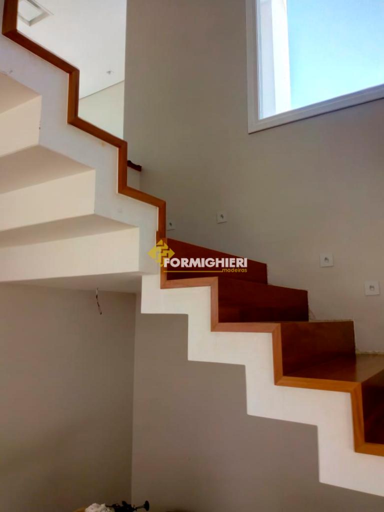 Escada Estruturado Peroba Mica 3