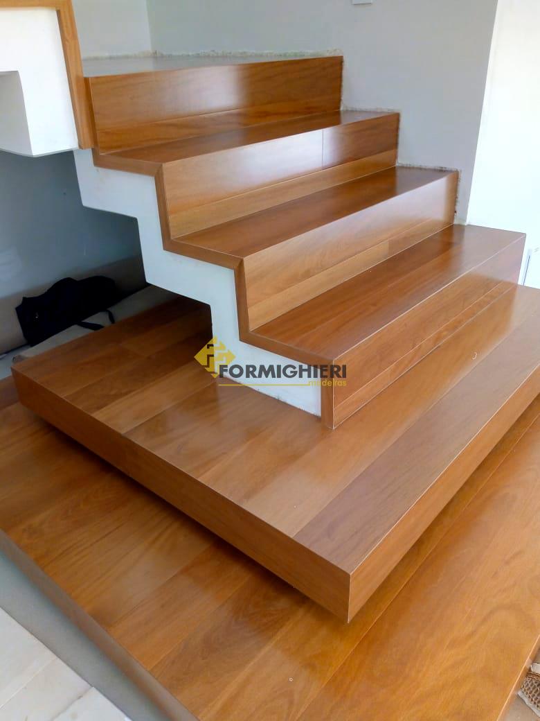Escada Estruturado Peroba Mica