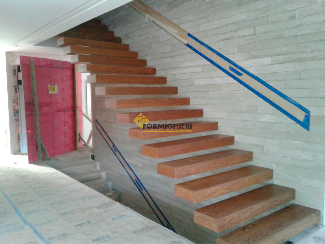 Escada em Sucupira Maciça